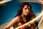 """作为首部女性主角的大制作超级英雄电影,《神奇女侠》(Wonder Woman)一直备受影迷关注。该片在北美试映后,影迷称赞""""这是最好的DC宇宙电影"""",尤其钟意""""神奇女侠""""的精彩打戏。究竟这部电影打得如何精彩?日前,聚美直播、花椒直播、乐视乐嗨、人人直播、奇秀、粉丝直播六大直播平台邀请国内知名动作指导张太海,来为观众解读《神奇女侠》动作设计的秘密。"""