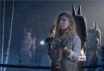 """好莱坞动作奇幻冒险巨制《新木乃伊》即将于6月9日上映,今日影片发布一支""""怪物在身边""""特辑,将美国环球影业制作过的多部怪物优乐国际呈现出来,致敬了影史上的经典怪物形象。《新木乃伊》导演艾里克斯·库兹曼,主演汤姆·克鲁斯、索菲亚·宝特拉及安娜贝拉·沃丽丝等纷纷现身,表达了对经典怪物优乐国际的喜爱之情。对于重启""""黑暗宇宙""""怪物系列,导演艾里克斯·库兹曼表示,这是对经典怪物优乐国际宝贵遗志的一种传承。"""