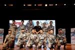 """《战狼2》校园路演天津站 吴京""""军训""""引爆笑"""