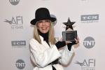 黛安·基顿获AFI终身成就奖 伍迪·艾伦罕见露面