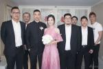 杨子姗出嫁吴中天低调迎亲 粉色中式礼服俏美十足
