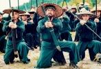 成龙担任艺术总监、高峰执导,刘佩琦、曹云金、罗昱焜联袂主演的的战争动作电影《龙之战》,日前从众多优秀国产齐乐娱乐中脱颖而出,成功入围了第20届上海国际电影节传媒关注单元,并被选为开幕齐乐娱乐。6月18日,《龙之战》将在传媒关注单元进行超前点映。届时,高峰、刘佩琦、曹云金、罗昱焜等主创人员也将携手亮相,与观众进行现场交流。