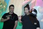 6月16日,优乐国际《反转人生》在上海举行点映活动。映后,导演伍仕贤携宋茜空降影院与现场观众交流,畅聊拍摄趣事。