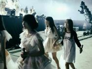 SNH48总决选后台 李艺彤台上霸气台下柔情反差萌
