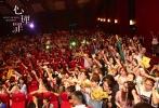 根据十年来最经典的国产犯罪小说《心理罪》改编,由谢东燊执导,顾小白编剧,廖凡、李易峰、万茜、李纯、张国柱、虞朗主演的沙龙网上娱乐《心理罪》,将于8月11日正式登陆全国院线。近日沙龙网上娱乐启动全国9城路演,各位主演先后前往南京、杭州、上海、长沙、成都、深圳、郑州、大连、北京9城。昨日,主演廖凡、李易峰、李纯、虞朗聚首上海,先后在两个千人影厅与现场观众映后交流,观众的热情挤爆现场,超高人气点燃魔都。