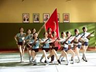 冯小刚战友忆《芳华》系列报道:红旗挥舞的青春
