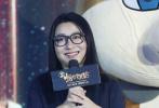 """8月10日,电影《十万个冷笑话2》在京举办发布会,导演卢恒宇、李姝洁与团队一起准备了""""N个彩蛋""""。"""