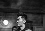 电影《空天猎》由李晨执导并主演、范冰冰、王千源、李佳航、赵达、李晨浩、郭洺宇、叶浏、陆思宇等主演,吴秀波特别出演、王学圻友情出演。据悉,该片是李晨首次执导的作品,也是他倾尽心血零片酬全投入的圆梦之作,同时还得到了范冰冰的大力支持。影片的其他主创及幕后团队更是倾力付出,上下一心克服重重困难,共同打造了这部真实震撼的现代空军空战巨制。