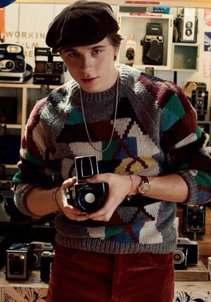 贝克汉姆大儿子布鲁克林拍写真 变身复古型男
