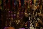 """开启新时代浩瀚无垠新宇宙,创造千奇百态志趣生物共生。由著名导演吕克·贝松倾力打造,""""小绿魔""""的戴恩·德哈恩、维密超模卡拉·迪瓦伊、流行天后蕾哈娜、中国超人气偶像吴亦凡等全球知名影星联袂出演的科幻巨制优乐国际《星际特工:千星之城》即将于8月25日全国公映。影片中恢弘的世界观和犹如""""时间简史""""般的庞大时空体系俘获了越来越多的科幻迷和星际迷,各种着力打造的上千种奇特外星生物族群,更是满足了喜爱探索,发现未知宇宙的猎奇者们的好奇。导演吕克·贝松用他超凡的想象打造了一场多维度奇"""