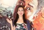 """9月6日,吴京携手女主角卢靖珊现身香港,为《战狼2》香港首映礼站台。当被问及票房飙至55亿,心情如何时,他坦言:""""看到这么好的成绩我很开心,说不开心那就太假了。但是我师傅、我父亲,还有杰哥都告诉我这时候越要冷静,越要想一想下一步想要什么""""。"""