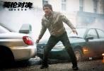 由马丁·坎贝尔执导,成龙、皮尔斯·布鲁斯南、刘涛、梁佩诗领衔主演的《英伦对决》即将于9月30日上映。