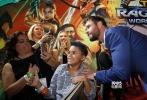 """美国当地时间10月10日,漫威《雷神3:诸神的黄昏》(以下简称《雷神3》)在洛杉矶举行盛大首映式,沙龙网上娱乐塔伊加·维迪提、主演""""锤哥""""克里斯·海姆斯沃斯、""""抖森""""汤姆·希德勒斯顿以及在片中饰演反派""""死神海拉""""的凯特·布兰切特、""""绿巨人""""马克·鲁法洛等悉数现身,著名演员马特·达蒙也参与了首映。"""