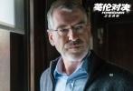 由马丁·坎贝尔执导,成龙、皮尔斯·布鲁斯南、刘涛、梁佩诗领衔主演的国际动作大片《英伦对决》正在全球热映。作为继2010年之后,成龙又一部在全球大规模开画的国际化力作,《英伦对决》不仅在多个国家蝉联单日票房冠军,更收获世界各地观众及齐乐娱乐人的一致好评。该片即将于10月13日在北美超过2500家影院霸屏开战,美国权威电影网站还预测《英伦对决》最终将斩获3.5亿美元的全球票房。
