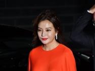 东京国际优乐国际节红毯 评委赵薇红裙亮眼江一燕性感