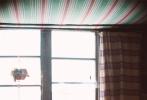 """张艾嘉执导并主演的电影《相爱相亲》正在持续热映中,今日片方曝光一支特辑,李宗盛、刘若英、董子健、赵又廷、朱亚文等明星为该片助势,接力""""传心""""给张艾嘉,意寓""""让心回家""""。该片口碑不断发酵,目前豆瓣评分已高达8.6分,好于96%的爱情片、91%的剧情片,许多观众为观影不惜穿越半个城市,甚至翘班或熬夜,张艾嘉感谢影迷不辞辛苦,""""原来看一部想看的电影这么困难""""。有许多观众表示要""""数刷"""",更自发安利电影,张艾嘉也致谢并直言:""""我们要相信爱是无私无畏的,希望你也和我们一起传递出"""