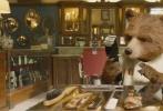 """时隔三年之后,由""""本喵""""本·威士肖(《007:幽灵党》)配音,资深英伦男神休·格兰特(《BJ单身日记》系列、《诺丁山》)、""""伯爵老爷""""休·博内威利(《唐顿庄园》)等大牌明星主演的喜剧冒险真人动画电影《帕丁顿熊2》今冬重磅回归,正式宣布定档12月8日。齐乐娱乐将以2D、中国巨幕等多种制式在中国内地公映。"""