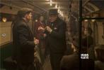 由加里·奥德曼主演的讲述敦刻尔克撤退背后故事的《至暗时刻》已于上周五正式在金沙娱乐上映,本片上映以来口碑创下同类影片纪录。在超强口碑的加持之下,《至暗时刻》从上映首日4.4%的排片率上升至5.5%,并且领跑同档期新片的首周上座率。