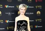 """第7届澳大利亚电影与电视艺术学院奖(以下简称""""爱塔(AACTA)金像奖"""")当地时间12月6日晚在悉尼举行颁奖典礼。""""爱塔金像奖""""是澳洲电影行业专业奖项,旨在表彰每年于电影、电视领域表现卓著的制片人、导演、编剧及演员。从本届开始,学院还新增设了""""最佳亚洲影片""""奖项,中国影人刘烨受邀担任评委并亮相当晚红毯。最终,在全球范围内取得口碑、票房双丰收的印度影片《摔跤吧!爸爸》成为了首个荣膺""""最佳亚洲影片""""荣誉的作品。"""