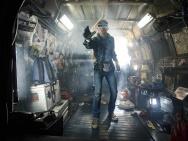 《头号玩家》曝预告 VR世界怀旧流行元素