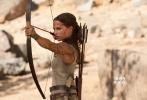 动作冒险电影《古墓丽影:源起之战》(Tomb Raider)1月19日全球同步曝光正式预告片,奥斯卡获奖新生代女星艾丽西亚·维坎德(Alicia Vikander)化身经典女英雄劳拉·克劳馥,全面开挂战斗力满血,吴彦祖也以动作猛男造型惊艳亮相,奉献进军国际影坛后最具魅力的表现。