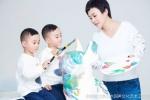 郝蕾晒母子三人写真大片 给寒冬中带来一丝温情
