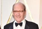 北京时间3月5日,第90届奥斯卡金像奖颁奖典礼在好莱坞杜比剧院举行,红毯上星光熠熠,巨星云集。图为:《水形物语》影片中的理查德·詹金斯。