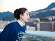 王丽坤邮轮拍戏展现曼妙舞姿 化身吃货俏皮可爱