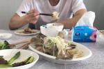 林允晒出午餐照 被老板周星驰要求要吃减肥餐