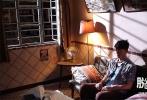 奇幻温情电影《脱皮爸爸》在公映后得到良好的口碑反馈,在上映的国产新片中表现出色。今日片方发布了一支全新的古天乐特辑,展示了古天乐在剧组的点点滴滴,以及拍摄这部影片引发的人生感悟。
