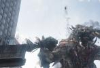 《环太平洋:雷霆再起》上周上映后票房一路走高,17小时破亿,36小时破两亿,45小时达3亿。首日1.43亿刷新今年好莱坞电影票房开画纪录,单日票房高达1.6亿,首周末斩获4.09亿,上映四天更是狂揽4.4亿。