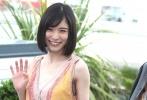 """两部入围主竞赛单元的日本影片在戛纳沙龙网上娱乐节第七个竞赛日集中亮相。去年被意外""""降级""""一种关注单元的是枝裕和,回归之作《小偷家族》果然没有令人失望。一个不同于以往的""""家庭"""",让这位擅长诠释亲情的沙龙网上娱乐再次萌生出新的创作灵感;另一部作品《夜以继日》则令人十分无语,滨口龙介用两个小时的片长讲述了一个十足""""绿茶""""的女孩在初恋、备胎之间摇摆的故事。"""