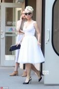 Lady Gaga仙美出街 事业线瞩目保镖都看呆了!