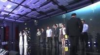 40年·40部年度影片代表登台 共同领取荣誉奖杯