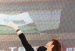 动作喜剧电影《大师兄》今日于上海国际电影节举行了首场发布会。电影监制兼主演甄子丹与导演阚家伟携导演陈乔恩、喻亢、汤君慈、汤君耀、李靖筠、林秋楠全阵容亮相,博纳影业董事长于冬、监制王晶一同出席。