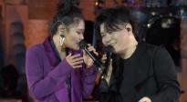 袁娅维携手音乐搭档常石磊 成龙电影周深情合唱《来日方长》