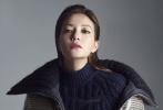近日,赵薇为《品Prestige》拍摄了一组时尚大片曝光。