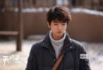 由王俊凯主演的《天坑鹰猎》正在台网同步热播中,自该剧上星以来,口碑效应持续发酵,评分上升至7.7分。