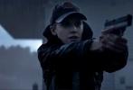 由好莱坞著名导演罗伯·科恩执导,《飓风营救》系列清新女星玛姬·格蕾丝转型出演,特效动作大片《飓风奇劫》今日首发定档预告。