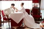 10月31日,有媒体拍到唐嫣、罗晋大婚后,回国现身上海机场的照片。