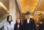 11月6日,吕燕通过微博晒出佟丽娅与张杰等文艺工作者访问朝鲜的照片。