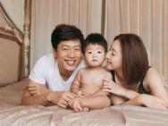 凌潇肃宣布唐一菲怀二胎:抱着大宝,喜得小宝!