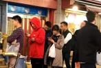 近日,有多个网友在日本大阪偶遇王思聪和女友陈雅婷,并晒出偶遇照片。
