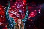 当地时间11月8日,2018维密大秀在美国纽约举办。60位维密天使,搭配超豪华的表演嘉宾阵容,再次带来一场视听盛宴。