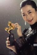 金马奖入围者写真曝光 准影帝影后手拿奖杯出镜