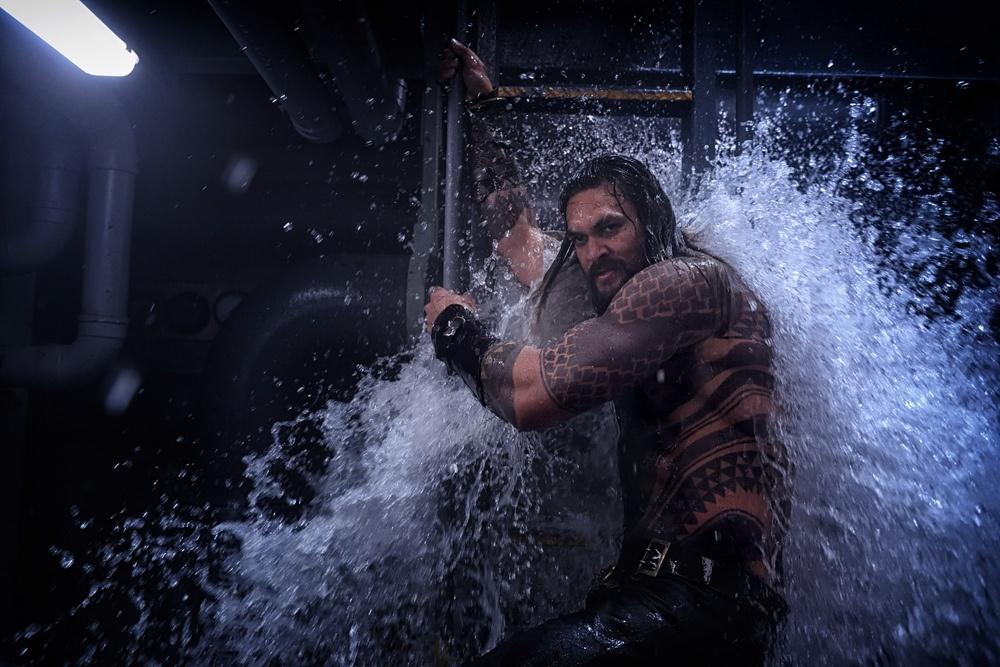 《海王》曝光幕后特辑 展现水下世界摄制过程细节