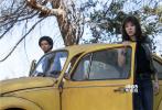 由美国派拉蒙影片公司及腾讯影业联合出品的《变形金刚》系列首部独立电影《大黄蜂》现正在各大影院火热上映中。影片自1月4日上映以来,连续7天稳坐单日票房排行榜的头把交椅,目前票房累计达到5.57亿,猫眼和淘票票评分分别为9.1分和8.8分,影片主演约翰·塞纳也专门录制视频表达对中国观众的感谢。