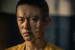 《少年的你》发布新剧照 易烊千玺囚服造型亮相