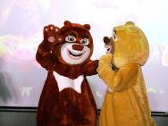 《熊出没》北京首映 宋祖儿获光头强生日转发大礼
