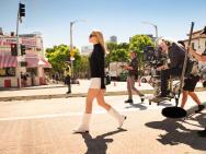 昆汀《好萊塢往事》劇照 迪卡普里奧成最大亮點